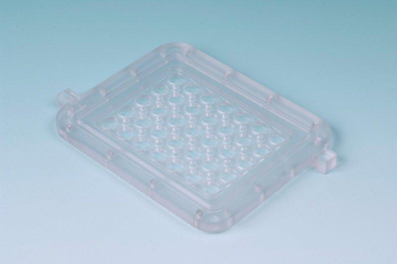 Meccanica di precisione: OGGETTO IN MATERIALE PLASTICO